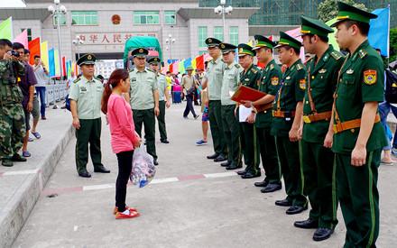 Giải cứu hai cô gái bị lừa bán sang Trung Quốc