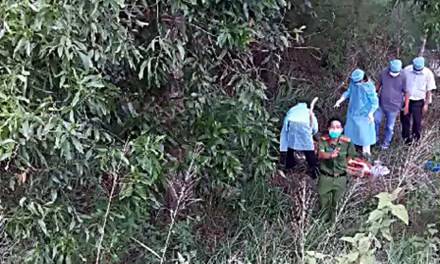 Thi thể 1 nam thanh niên đứt lìa khỏi chân dưới chân cầu