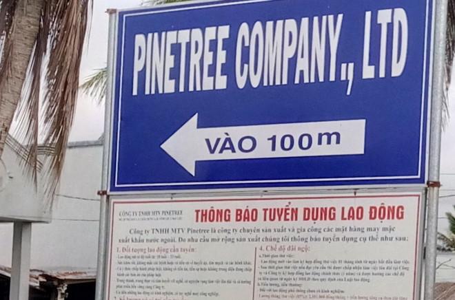 phat-hien-doi-trong-khay-com
