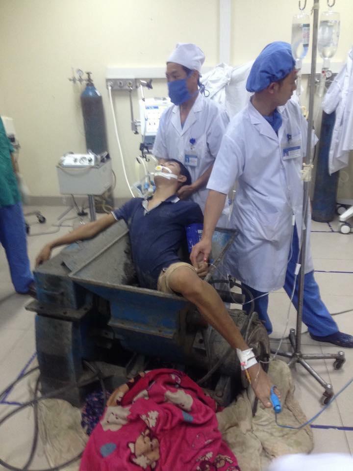 Bệnh nhân Tuấn được gia đình đưa đến trong tình trang nguy hiểm