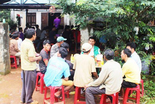 Gia đình tổ chức tang lễ cho anh Rơ Châm Jưm.