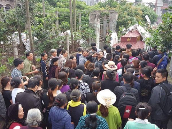 Đám tang bé Nhật Linh tại quê nhà
