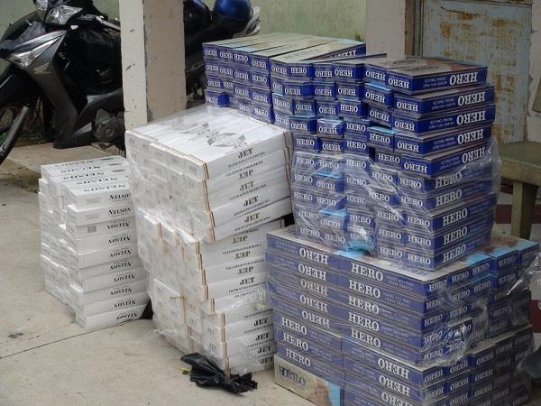 Các điểm kinh doanh thuốc lá lậu thường cất giấu hàng tại nhà riêng, nơi ở, nên khi kiểm tra rất khó phát hiện và xử lý.