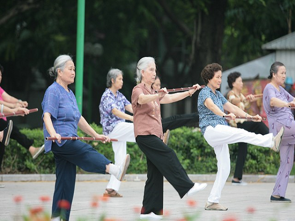 Cách phòng bệnh thoái hóa khớp ở người cao tuổi