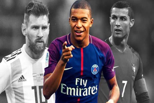 Ronaldo và Messi không xứng với QBV