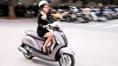 Những thói quen đi xe tay ga nguy hiểm chị em nên từ bỏ ngay