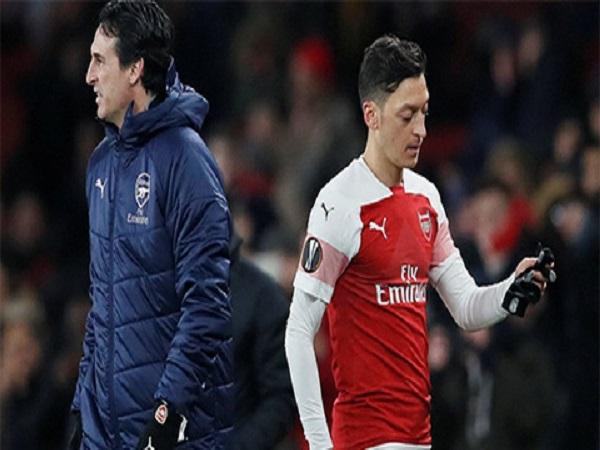 Dấu chấm hết cho Oezil tại Arsenal