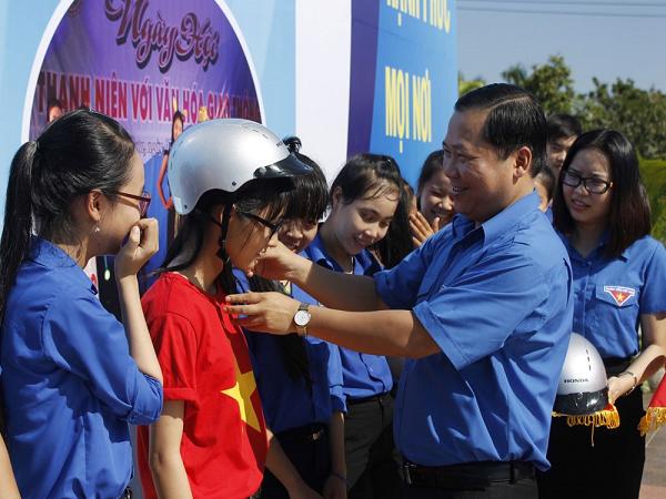 Tuyên truyền an toàn giao thông cho thanh niên Việt Nam