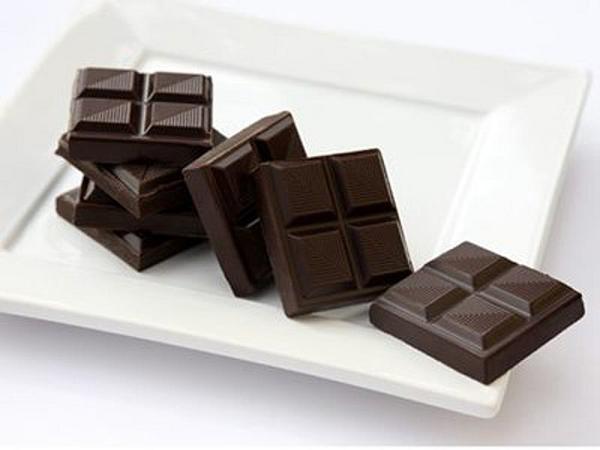 Sô-cô-la đen - thực phẩm làm đẹp da tại nhà cho nam