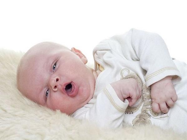 Trẻ 4 tháng tuổi bị ho mẹ nên làm gì