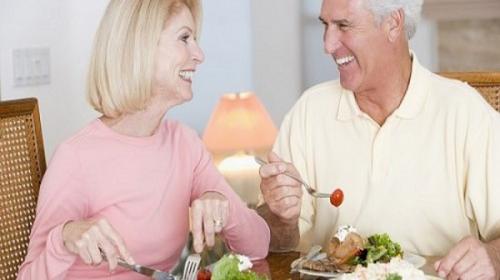 Thức ăn bổ máu cho người cao tuổi luôn khỏe mạnh