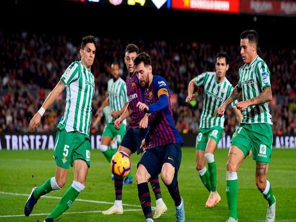 Messi lập hattrick, Barca tiến sát ngôi vương