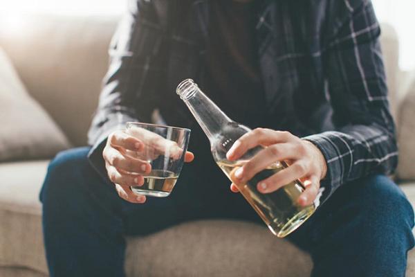 Tác hại của rượu bia đối với sức khỏe nam giới