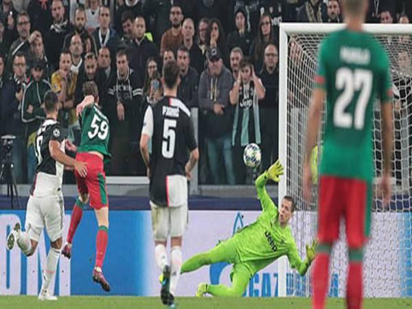 Juventus 2-1 Lokomotiv Moscow: 3 điểm may mắn