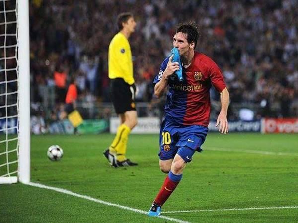 """Messi """"xé lưới"""" MU cúp C1"""